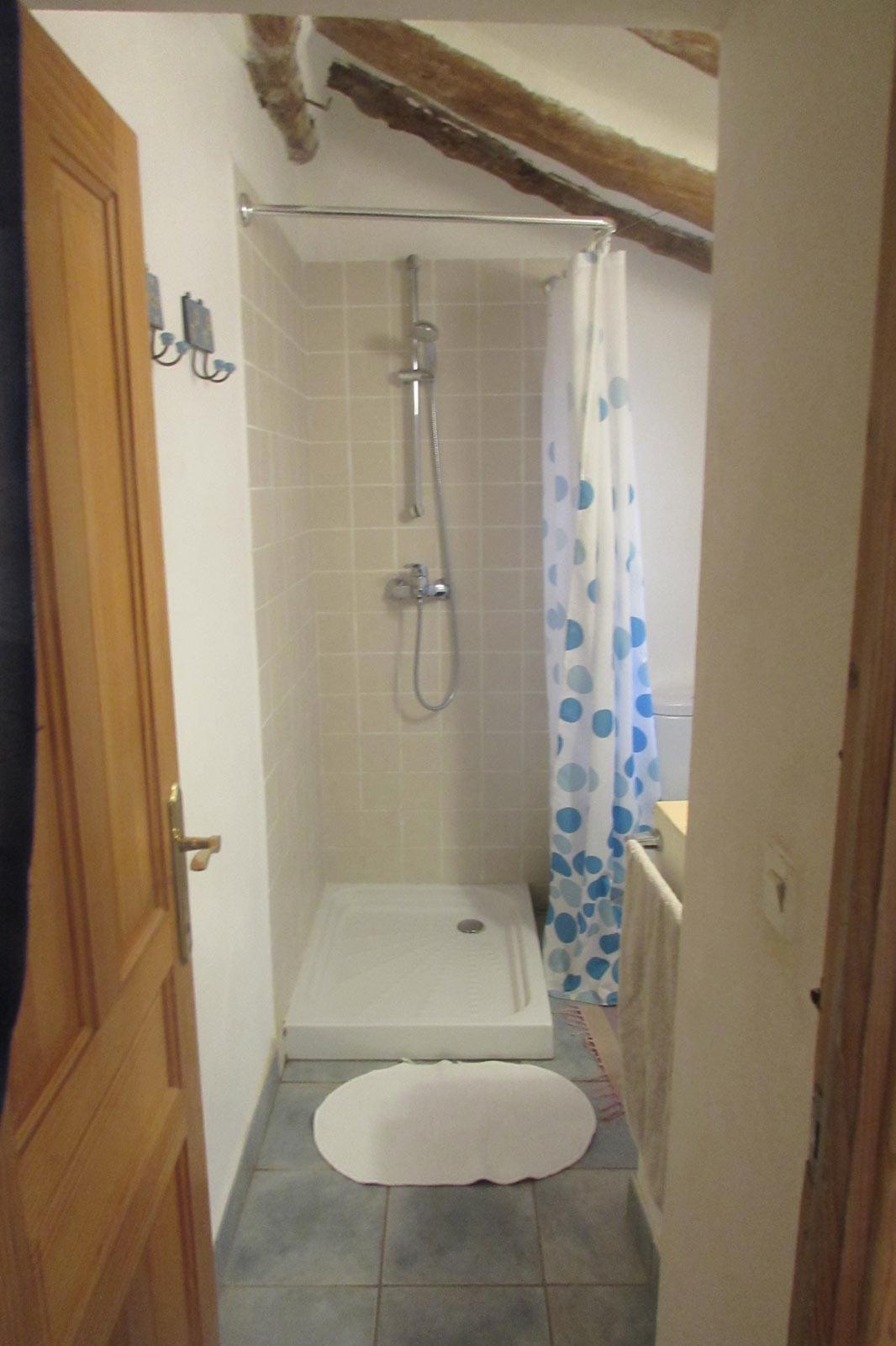 Roc-House-bathroom-2