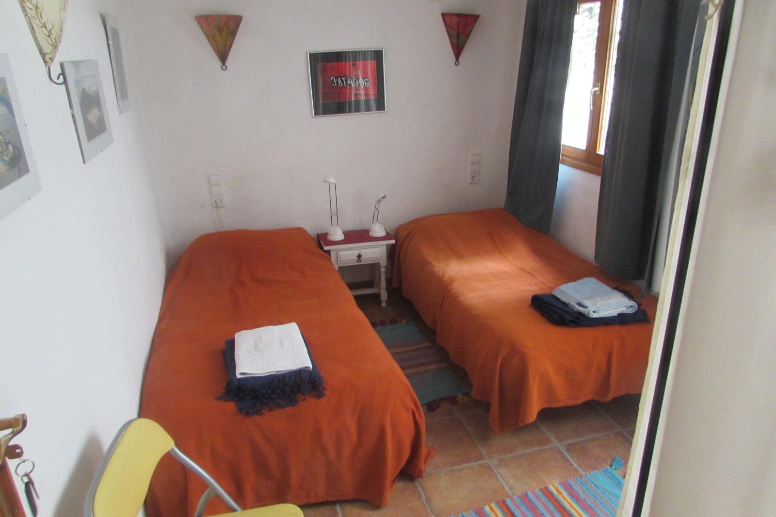Roc-House-bedroom1-1