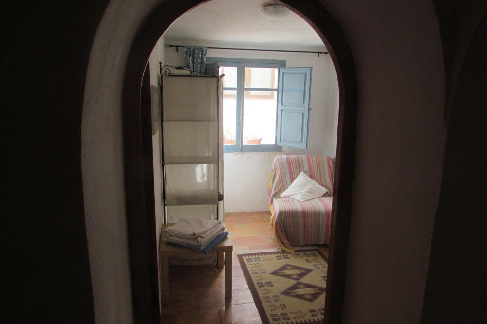 Roc-House-corridor-room