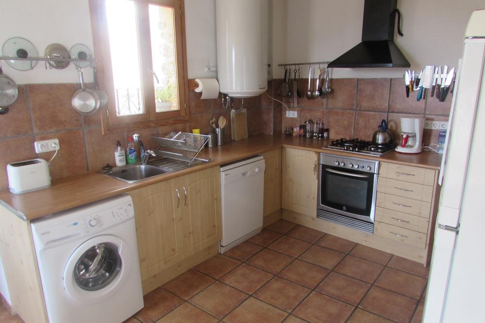 Roc-house-kitchen-1
